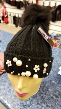 Ladies Chunky Knit Thinsulate Hat With Pearls And Pom Pom
