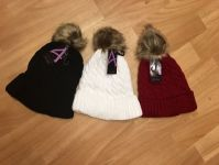 Ladies Cable Knit Hat And Cuff With Pom Pom
